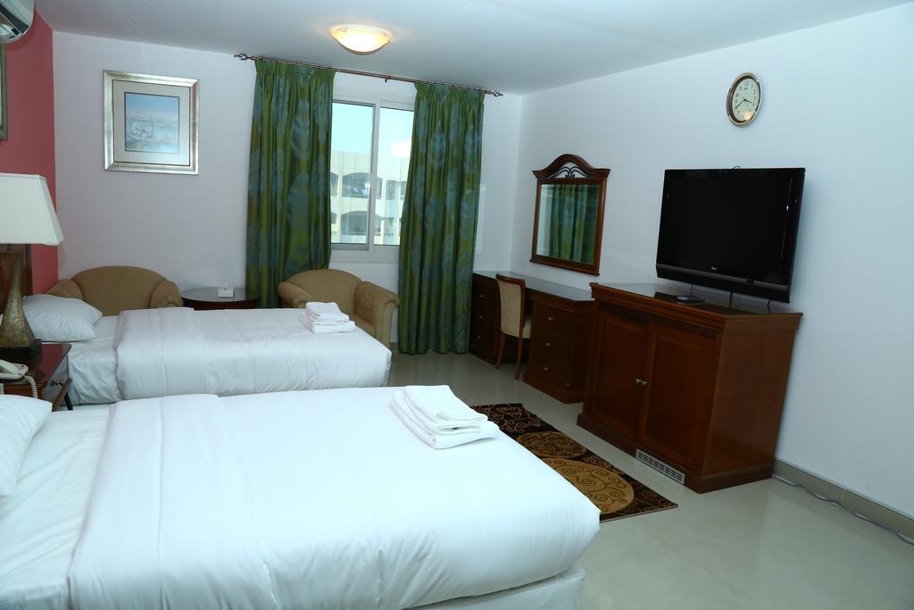 هتل آپارتمان ایمپیر دبی