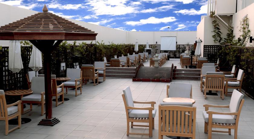 هتل کاسیلز البرشا دبی