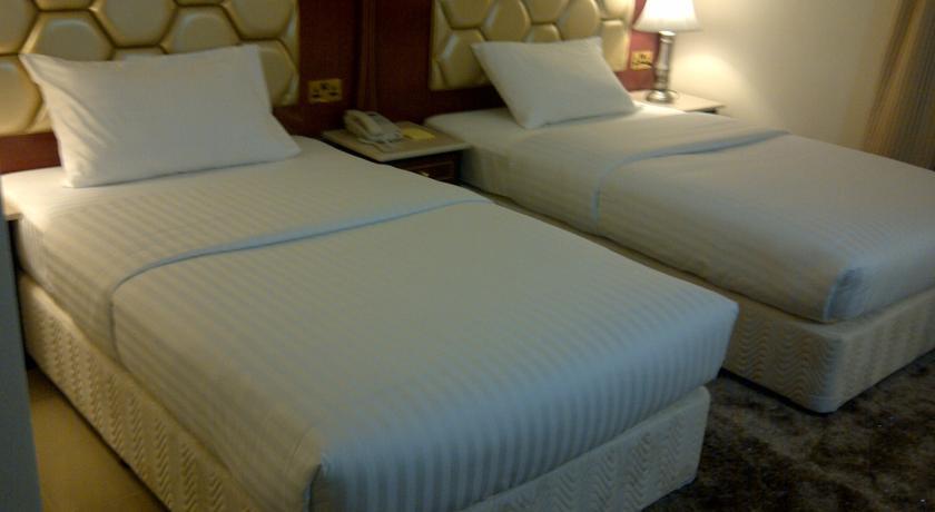 هتل سافرون
