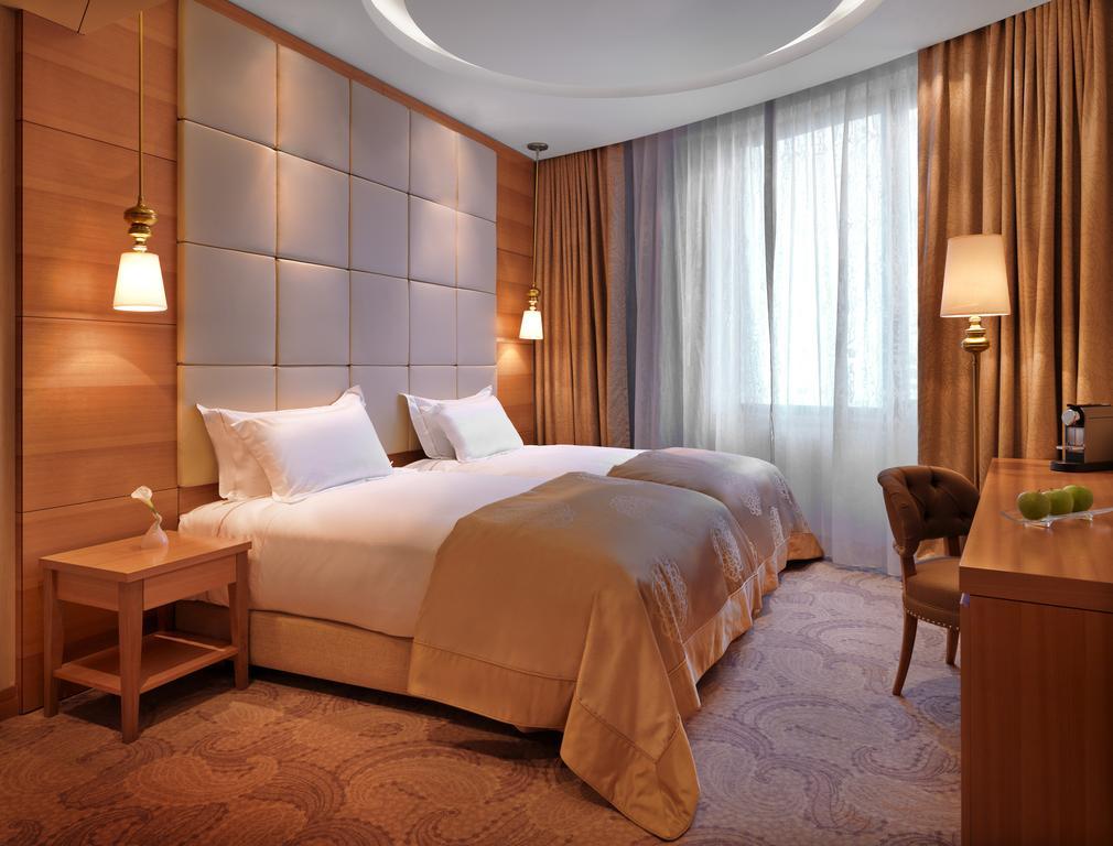 هتل پیلهگاه بیچ