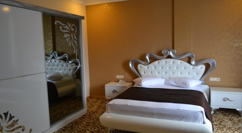 هتل گرند ریکسوس پالاس تفلیس