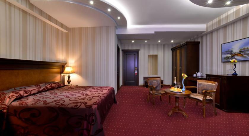 هتل فروم