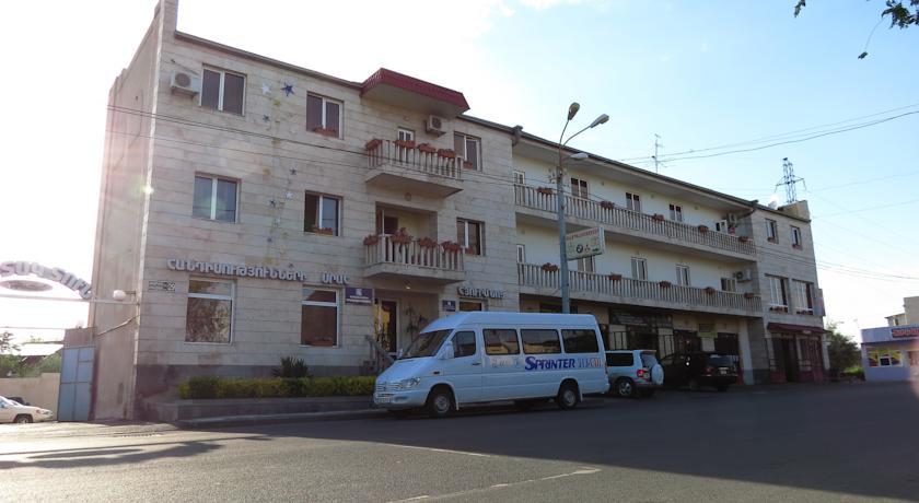 هتل وایت هاوس